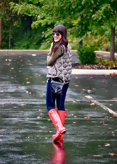 Red Hunter boots. #rainboots #red