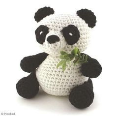 Free panda amigurumi pattern (needs translating)
