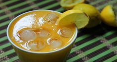 Smoothie které vás p?es noc zbaví p? Strawberry Juice, Weight Loss Smoothie Recipes, Ginger Juice, Dieta Detox, Lose Weight Naturally, Pineapple Juice, Grape Juice, Detox Drinks, Food And Drink