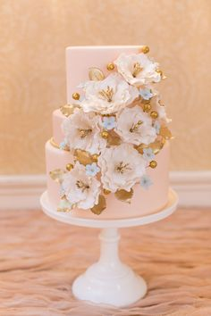 By Elegantly Iced ~ Love the blush colour and all of the colours in the detail.  Very pretty cake.   ᘡղbᘡ