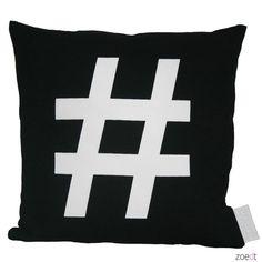 Zwart kussen van 100% katoen met witte hashtag in lederlook - Zoedt