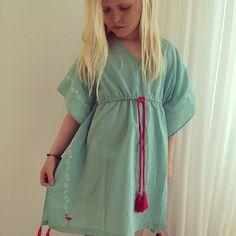 Girls Dresses Sewing, Girls Dress Up, Kids Kaftan, Baby Girl Tops, Kids Fashion Photography, Baby Dress Patterns, Kids Suits, Kids Frocks, Toddler Dress