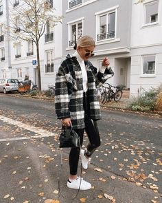 trendy winter outfits to help to level up your winter style 1 Trendy Fall Outfits, Casual Winter Outfits, Winter Fashion Outfits, Look Fashion, Winter Ootd, Summer Outfits, Fashion Clothes, Fashion Women, Celebrities Fashion