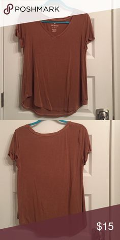 T-shirt Tan tshirt American Eagle Outfitters Tops Tees - Short Sleeve