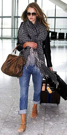 Printed scarf, boyfriend jeans, chain ballet flats, snakeskin bag and Louis Vuitton trolley suitcase outfit - Paparazzi look airport style fashion - Outfit ideas and inspiration by Rosie Huntington Whiteley