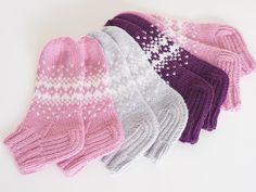 Life with Mari: Ohjeet Lace Socks, Crochet Socks, Wool Socks, Knitting Socks, Knit Crochet, Fair Isle Knitting Patterns, Knitting Charts, Knitting For Kids, Baby Knitting