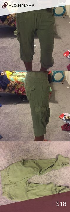 Super Soft & Comfy Cargo Pants The fashionistas answer to cargo pants. Only worn once, these 6 pocket rayon crop pants are so comfortable. The legs ends are stretchy so u can pull them up for an even baggier chic look! Pants Track Pants & Joggers