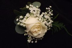 rose and gypsophilia buttonhole www.weddingflowersbylaura.com