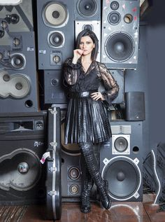 The famous italian singer rocking DEAN over the knee flat boots in black leather for the magazine Newsweek en Español. Flat Boots, Luxury Shoes, Black Leather, Boutique, Super Star, Dean, Lp, Shopping, Singer