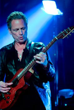 Lindsay Buckingham  one of the best guitar players of all time = SEXY.