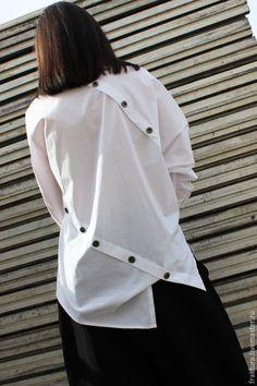 Блузки ручной работы. Белая асимметричная рубашка / Экстравагантный хлопковый топ / B0002. Fraktura Design. Интернет-магазин Ярмарка Мастеров.