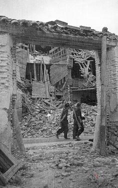 Guerra civil. Ruinas de Belchite Productor: Sancho Ramo, Gerardo Colecciones - Guerra civil. Guerra Civil (1936-1939). Ayuntamiento de Zaragoza. Archivo Municipal