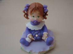 Boneca de biscuit,pode ser pra colocar em cima de potes,ou até mesmo para decoração...