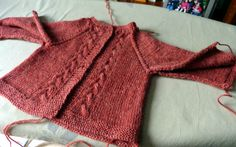 top down 1 an Baby Knitting, Crochet Baby, Cardigan Bebe, Top Down, Couture, Sweaters, Gilets, Camille, Pulls