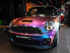 Python flip paint mini cooper s- pink to aqua to gold <3 i want it i want it!!