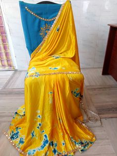 Satin shibouri sarees with blouse embroidery and mirror work lace Elegant Fashion Wear, Trendy Fashion, Shibori Sarees, Indian Bridal Fashion, Elegant Saree, Saree Blouse, Indian Wear, Cotton Dresses, Bridal Style