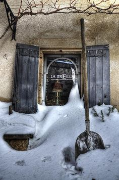 Snowy Provence 6 by marcovdz, via Flickr ~ Les Baux de Provence, France. (CC BY-NC-ND 2.0)
