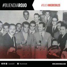 #BuenDiaRojo! #BuenMiercoles! 😈 Agajaso de compañeros y amigos a Grillo antes de partir a Italia. Año 1957.