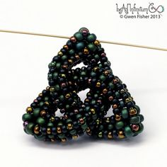 Trefoil Knot in Celtic Green with Cubic Right Angle Weave