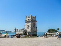 La tour de Belém dans le quartier de Belém à Lisbonne Places In Portugal, My Dream, Road Trip, Beautiful Places, To Go, Europe, City, World, Building