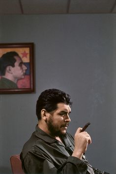These fascinating photographs are portrait of Che Guevara that were taken by Elliott Erwitt during an interview with Lisa Howard in Havana, . These fascinating photographs are portrait of Che Guevara that were taken by Elliott Erwitt during a Photography Gallery, City Photography, Che Guevara Photos, Elliott Erwitt Photography, Ernesto Che Guevara, Photo Star, Fidel Castro, Famous Photographers, Magnum Photos