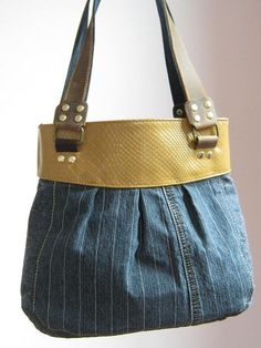 USE STYLE FOR KNITTED BAGS WITH FABRIC TOP - INSERT HANDLES INTO A SEAM??