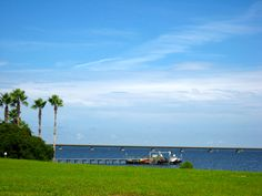 Homes along the Choctawhatchee Bay in Regatta Bay Destin have deep water docks.