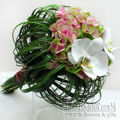 Contemporary Wedding Bouquets | Ambassador Flowers & Gifts - Contemporary Bride - Bridal Bouquets ...