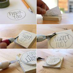 bleistift, weißes papier, radiergummi, buchstaben, stempel schnitzen