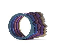 Marina Sheetikoff-BRASIL Ring: Profile 2012 Nióbium 1x2.5 cm Photo by Fernando Laszlo
