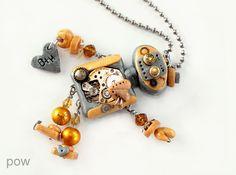 pairofwings Schmuckdesign MyBot Roboter Zahnrad Steampunk Perle Fimo Herz