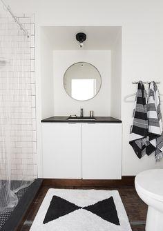 Black and White Bath