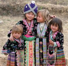 The Eyes of Children around the World Laos © PeterLaos