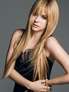 Avril Lavigne Gets a Makeunder: See Her Without Her Signature Eyeliner! | People.com