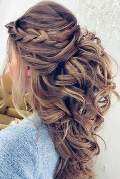 Pretty Half up half down hairstyles - Pretty partial updo wedding hairstyle is a great options for the modern bride from flowy boho and clean contemporary cute bridal hair styles Easy Wedding Guest Hairstyles, Hairstyle Wedding, Hair Styles Wedding Guest, Hair Styles Party, Curly Wedding Hairstyles, Bridesmaids Hairstyles, Hair Updos For Weddings Guest, Hair Styles For Prom, Medium Length Wedding Hairstyles