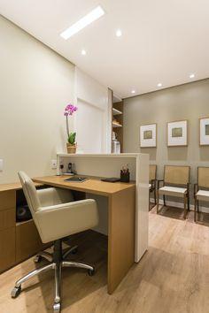 ceilling and wall colour khaki Office Cabin Design, Office Reception Design, Small Office Design, Dental Office Design, Office Furniture Design, Clinic Interior Design, Clinic Design, Commercial Interior Design, Massage Room Decor