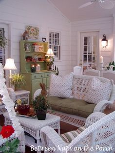 Building a Screened-in Porch - One of my favorite blogs started with a gorgeous screen porch.