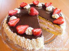Østermaries kremkake | Det søte liv Danish Food, Cake Tutorial, Let Them Eat Cake, Cheesecake, Food And Drink, Baking, Desserts, Danish Recipes, Tailgate Desserts