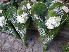 Precious Tips for Outdoor Gardens - Modern Christmas Party Decorations, Flower Decorations, Christmas Wreaths, Hydrangea Bouquet Wedding, Wedding Flowers, Cemetery Decorations, Funeral Flowers, Flower Designs, Outdoor Gardens