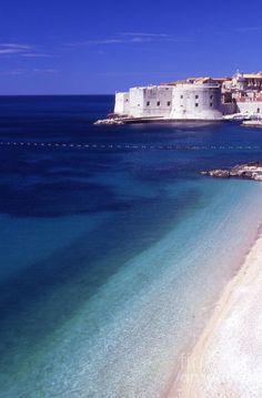 Banje beach, Dubrovnik #adriaticsea #dream #beaches #lobagolabnb #Croatia #Dubrovnik