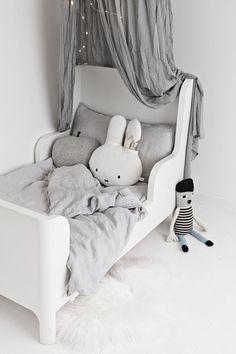 // Grey Kids Space
