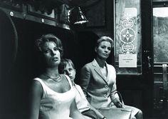 Still of Gunnel Lindblom and Ingrid Thulin in Tacerea