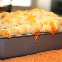 Cheese Bread Like Red Lobster - I added a 1/2 teaspoon of garlic powder and suggest using shredded cheddar instead of cubed.