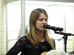 De muzikale omlijsting werd verzorgd door Iris Penning, singer-songwriter.
