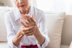 As rheumatoid arthritis (RA) progresses and expresses itself, it varies widely from patient to patient. This variability is manifested in models of articular involvement, as well as in the ,Stages of Rheumatoid Arthritis What Causes Rheumatoid Arthritis, Rheumatische Arthritis, Arthritis Pain Relief, Types Of Arthritis, Curcumin Health Benefits, Sistema Gastrointestinal, Low Back Pain Relief, Chiropractic Care, Sleep