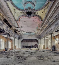 Colourful ceiling and stage - Beautiful decay