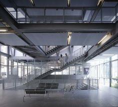 Vista interior de La Fabrique por Marc Mimram. Fotografía © Julien Lanoo. Señala encima de la imagen para verla más grande.