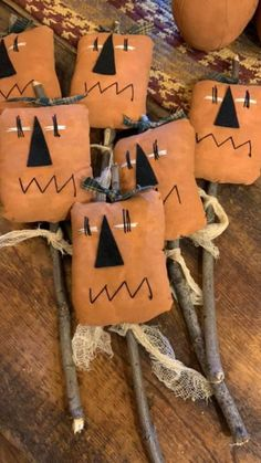Halloween Doll, Holidays Halloween, Halloween Decorations, Autumn Crafts, Holiday Crafts, Holiday Fun, Primitive Halloween Crafts, Fall Sewing, Bowl Fillers
