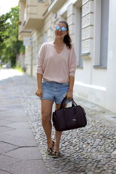 JOURlook: Shorts & Sweater - Journelles