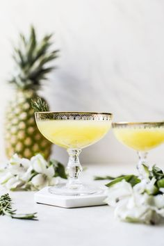 This Pineapple Ginger Punch is super refreshing and made with only a few ingredients, including fresh pineapple and ginger beer! Champagne Cocktail, Cocktail Drinks, Alcoholic Drinks, Cocktail Recipes, Beverages, Drink Recipes, Cocktail Ideas, Winter Drinks, Summer Drinks